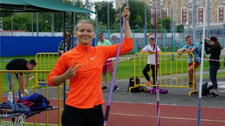 Легкоатлеты Анастасия Мамлина иАндрей Андреев стали чемпионами РФ поспорту глухих