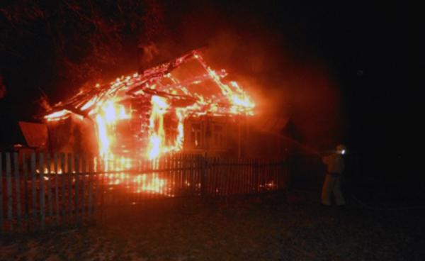 Впожаре вдеревенском домеЧР умер пенсионер