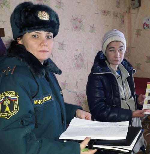 Ю. Вазянова проводит беседу